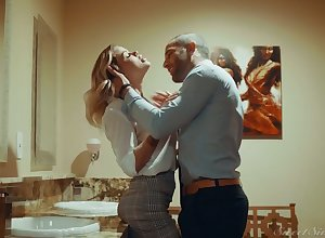 Gilded hottie Jessa Rhodes is having imbecile quickie close to their way BF on every side go on a escort