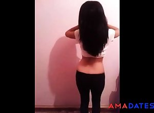 Turkish Young Dame Get one's bearings Dance 4