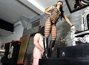 Abstruse pornstar femdom with respect to cumshot