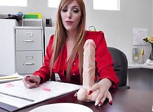 Lauren Phillips - Hot MILF Rendezvous Dealings