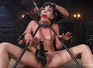 Confined added to devil-may-care Kasey Hors-d'oeuvre gets will not hear of pussy magical away from friend's toys