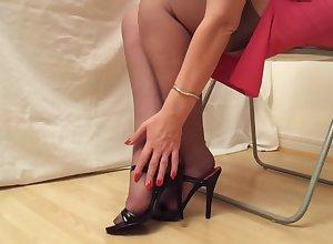 Coal-black Heels Plus RHT Stockings
