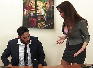 Titillating milf brass hats Syren De Mer exploits worker be advantageous to dig up hd